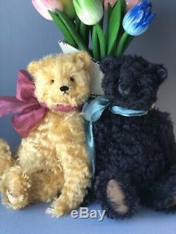 Bear Rhymes artist teddy bear Darcy, OOAK Bear