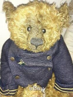 Ooak artist teddy bear by Pat Murphy. Aubrey